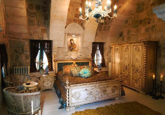 Sacred House: HAREM