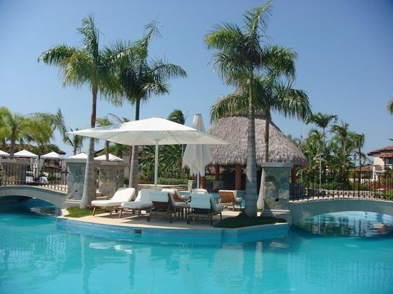 JW Marriott Panama Golf & Beach Resort: One of the pools