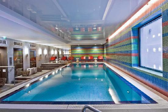 Adina Apartment Hotel Berlin Mitte: Hotelpool