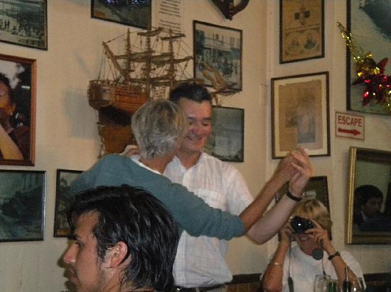 Bar Restaurant Cinzano: Dancing Between The Tables