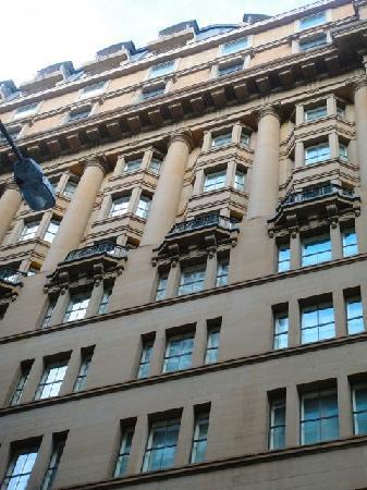 Radisson Blu Plaza Hotel Sydney: the windows outside :)