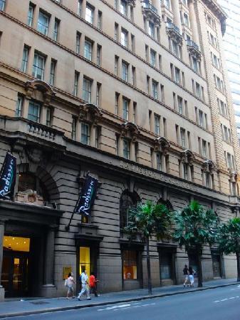Radisson Blu Plaza Hotel Sydney: outside