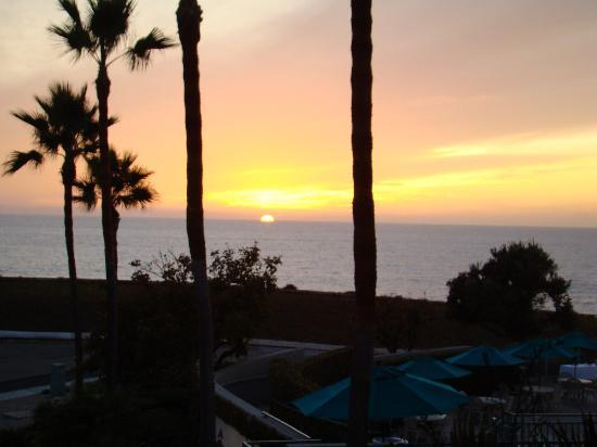 Carlsbad Seapointe Resort: End of another beautiful day as seen from our room