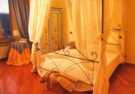 B&B Ripa Medici Rooms with a View: camera gialla