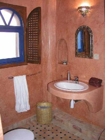 Dar Al Bahar: Each rooms is fitted with its own bathroom (WC+shower)