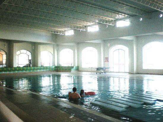 Kuriat Palace: la piscina