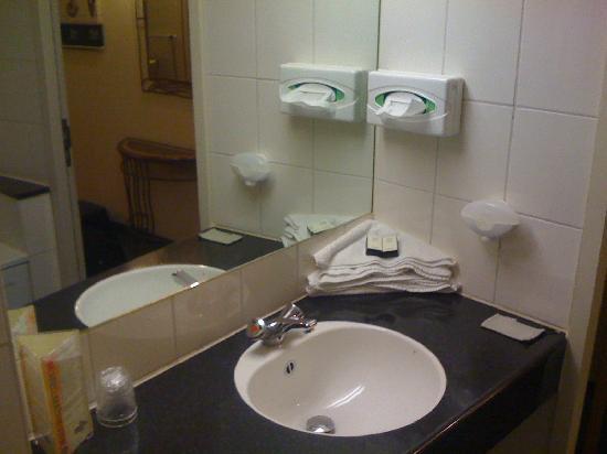 Renesse, Niederlande: bathroom