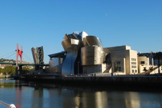 """Guggenheim in Bilbao! - ビルバオ、ビルバオ・グッゲンハイム美術館の写真写真: """"Guggenheim in Bilbao!"""""""
