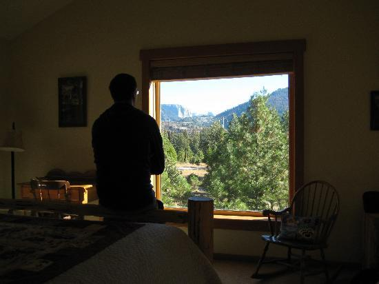 Yosemite Vacation Homes: View from the bedroom - El Capitan in the distance