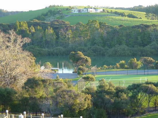 Riverside Matakana: Tennis court and river