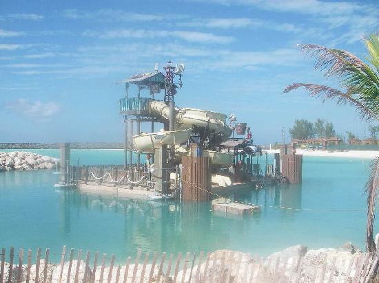 Castaway Cay : construction of new swim station