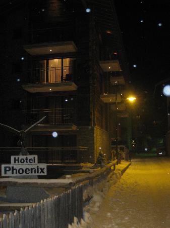 Hotel Phoenix: outside view