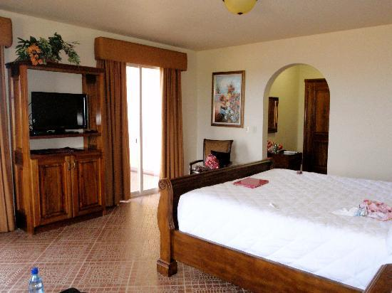 Boca Chica Plantation Club & Resort: Our amazing suite...and this was only half of it!!