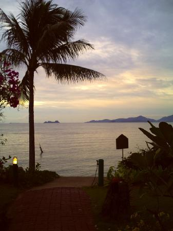 Banyan Villas (Thailand) Co., Ltd.: Sunsets are eternally groovy.