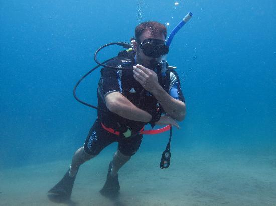 Adventure Dive Shop: We specialize in portrait photography, in this case during PADI certification.