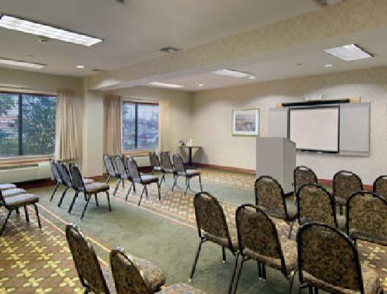 Wingate by Wyndham Houston / Willowbrook: Meeting Room