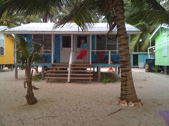 Tobacco Caye Lodge: cabin porch