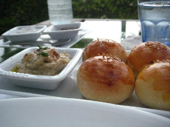 The Frangipani Tree by Edwards Collection : the roasted hummus and fresh-baked buns
