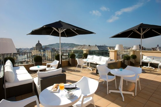 H10 Universitat Hotel: Nuestra nueva terraza TWENTYONE! Our new terrace TWENTYONE!
