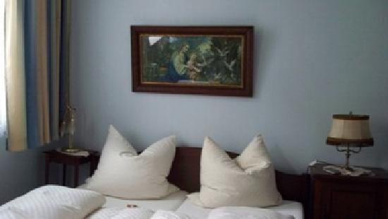 Hotel La Isla: Rooms look ok on pictures but are not so nice in reality.