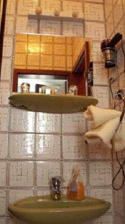 Hotel La Isla: Bathroom