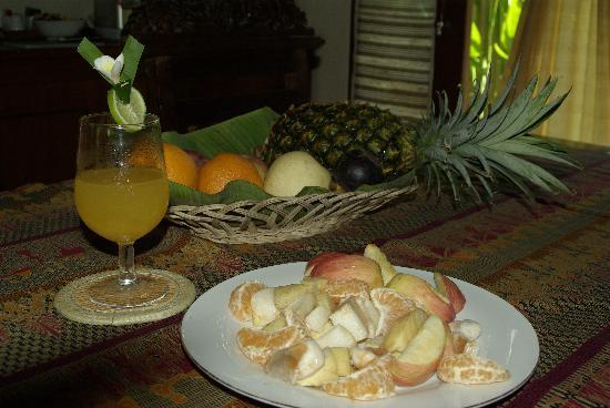 Tirtarum Villas, Canggu Bali: Complementary welcome fruit & drink