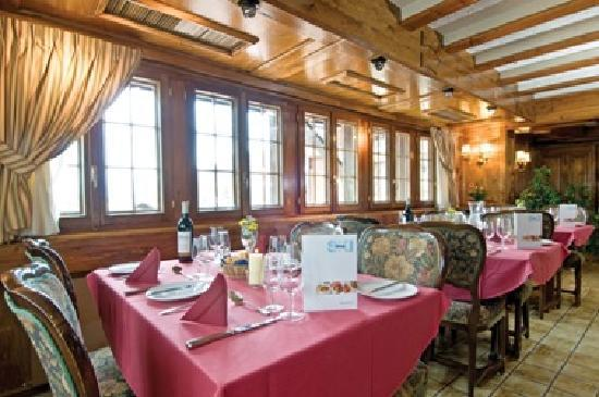Hotel Rosalp: Ski Total Chalet Hotel Dining Room