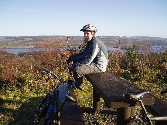 Corralea Activity Centre and Cottages: Biking along Lough Macnean