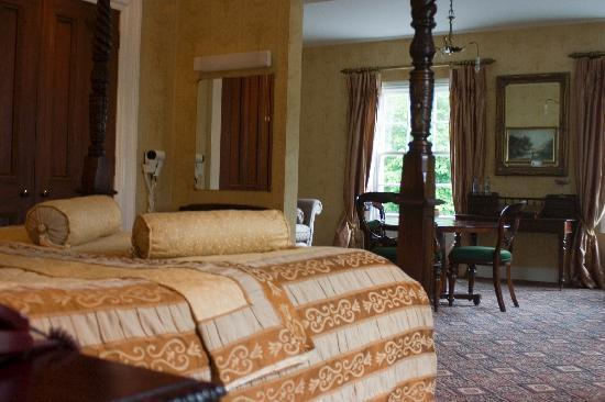 Tullylagan Country House Hotel: Rooms