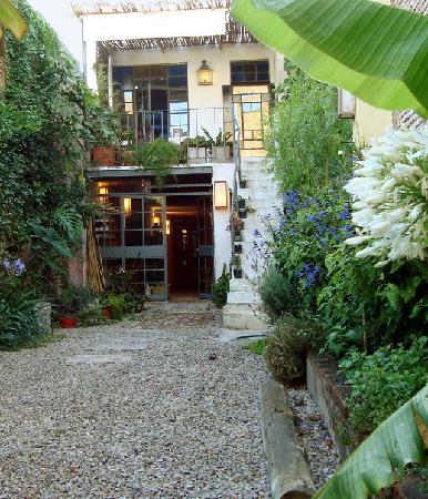 Colonia Suite Apartments : Le joli patio