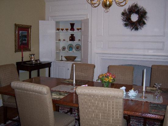 Inn at Glencairn: Breakfast Room