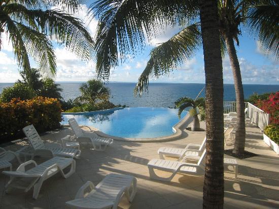 Hotel Amaudo: terrasse et piscine