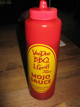 VooDoo BBQ & Grill New Orleans: Yummy sauce!