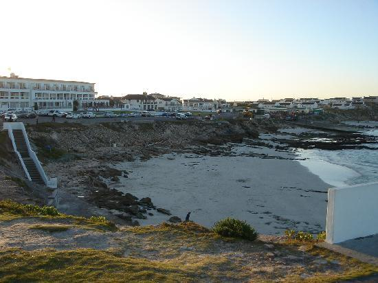 Arniston, Zuid-Afrika: View of the hotel and beach