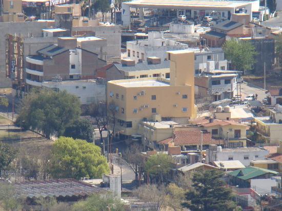 Los Sauces Hotel & Spa: Vista del Hotel desde la aerosilla