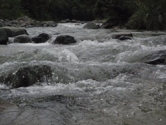 Río en Jarabacoa - Frio pero delicioso