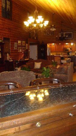 Grand Living Bed & Breakfast: The living room