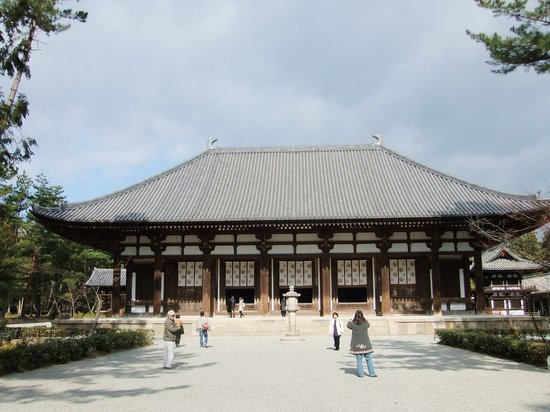 Nara, Nhật Bản: 正面からの唐招提寺。