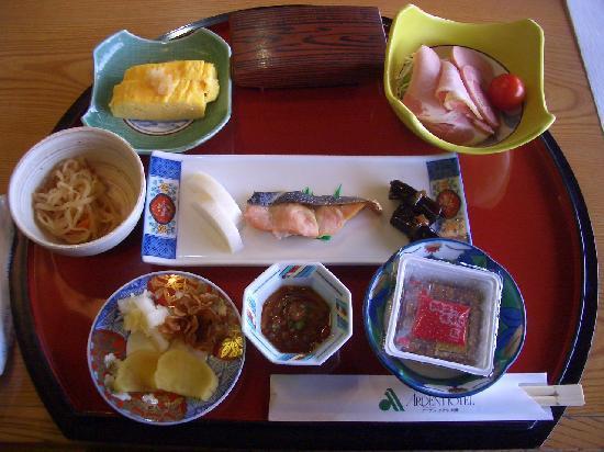Arden Hotel Aso: 朝食/こんなのは期待してなかった…