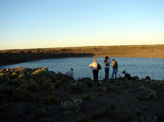 Somuncura Plateau: Observando una laguna