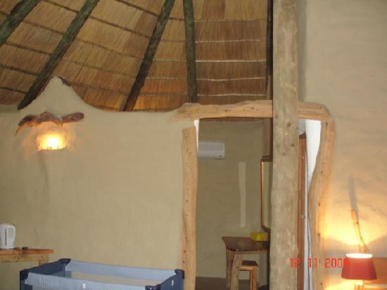 Chrislin African Lodge: Inside the Luxury hut
