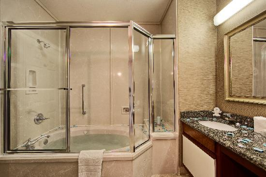 Homewood Suites by Hilton Longview: Destress In Your Very Own Hot Whirlpool Bath!