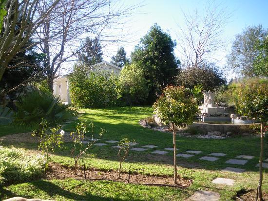 De Old Drift Guest Farm: gardens