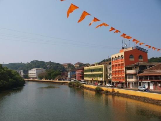 Panaji, India: River Mandovi ja Panjimin kaupunkia.