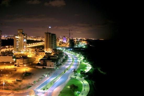 Carmel Hotel Holiday Apartments: Netanya at night, Israel