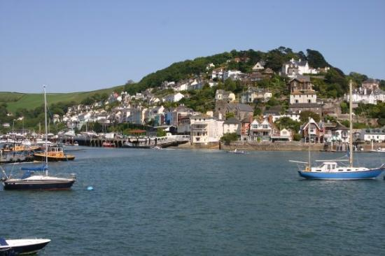 Dartmouth, UK: views back acros sthe Dart river to Kingswear
