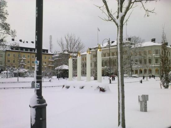 Sundsvall, Svezia: چهارمین شمع یولِ یوس هم روشن شد و این یعنی که کریسمس رسیده دیگه