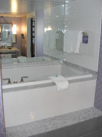 Fuji spa tub - Picture of Kimpton Hotel Palomar Philadelphia