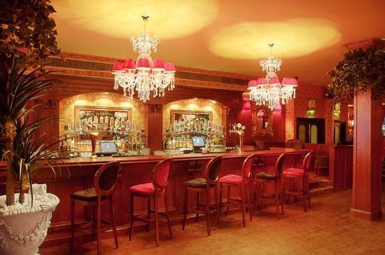 The Washington bar & restaurant : upstairs bar