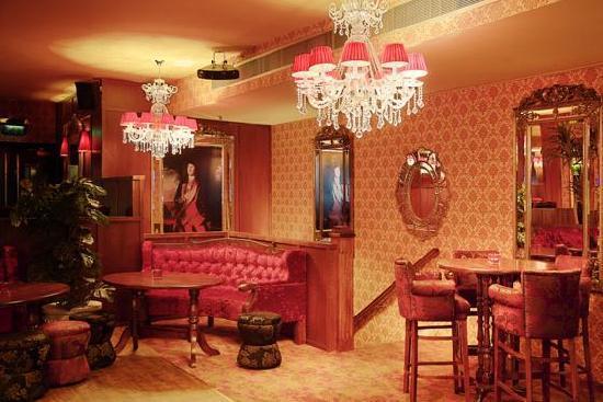 The Washington bar & restaurant : upstairs booth 2